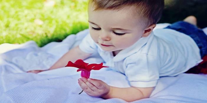 Bebeklerde temel yaşam desteğinde bilinç kontrolü nasıl yapılır