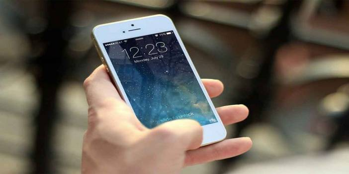 Gençler sık telefon değiştiriyor